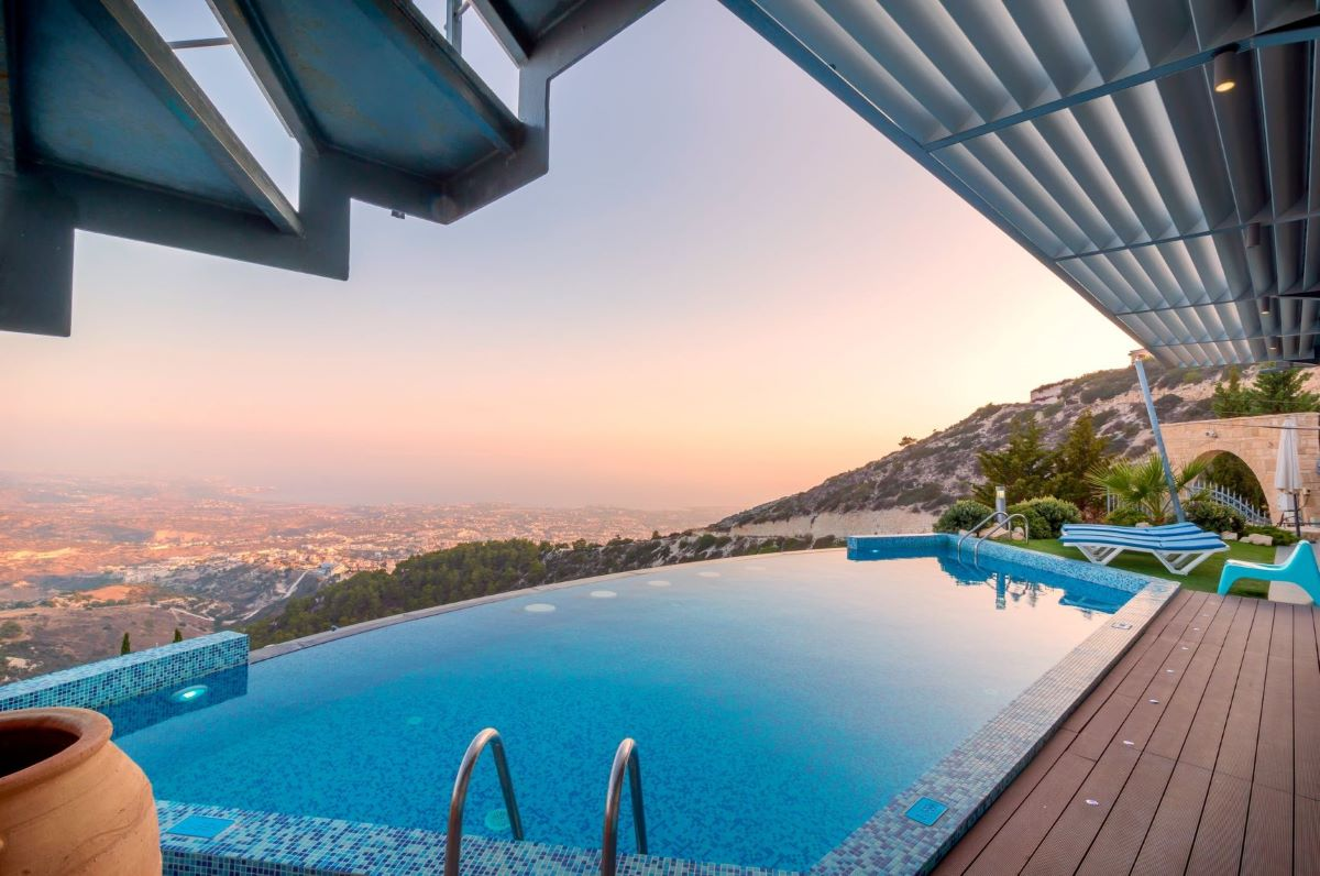 Buying or Selling a Property with a Pool